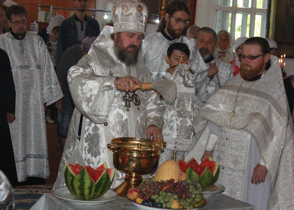 Освящение урожая. Епископ Кокшетауский и Акмолинский Серапион